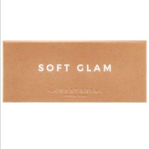 Sephora Makeup - NEW : Anastasia Beverly Hills - Soft Glam Palette